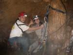 rapel dentro caverna